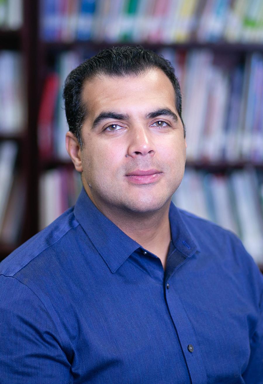 Mr. R. Fernandez
